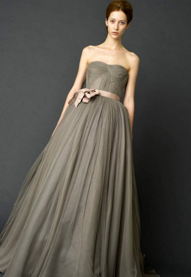 Vera wang gray wedding dress great ideas for fashion for Gray dresses for a wedding