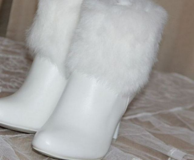Winter Fur Wedding Boots For The Bride