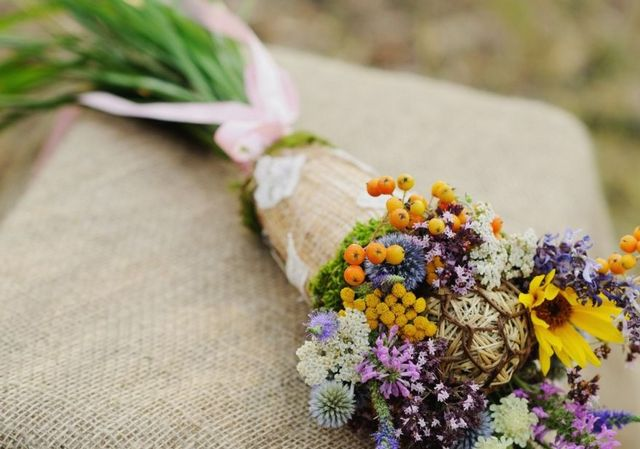 wedding bouquet wildflowers