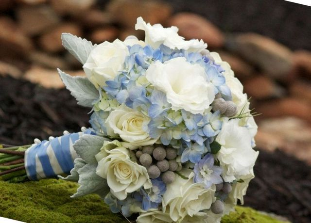 wedding bouquet with hydrangeas