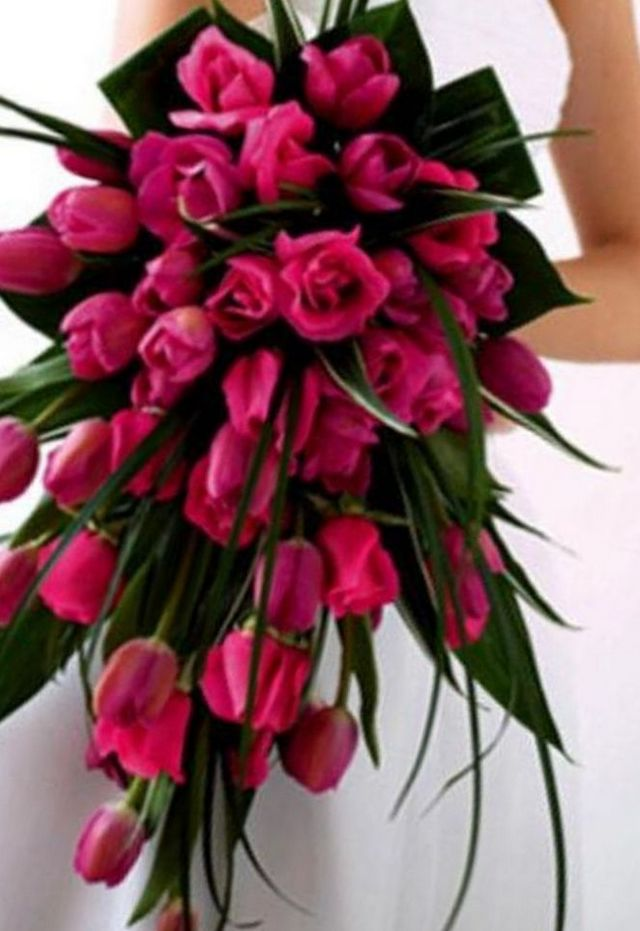 wedding bouquets using tulips