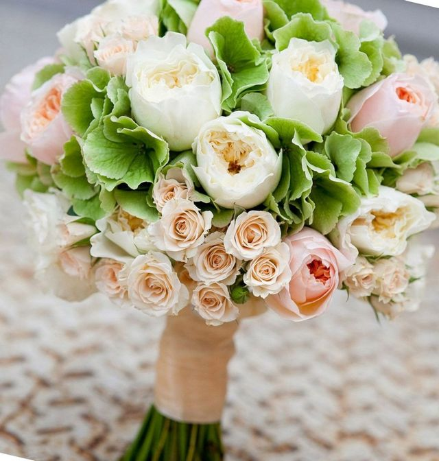 wedding bouquets with hydrangeas and peonies