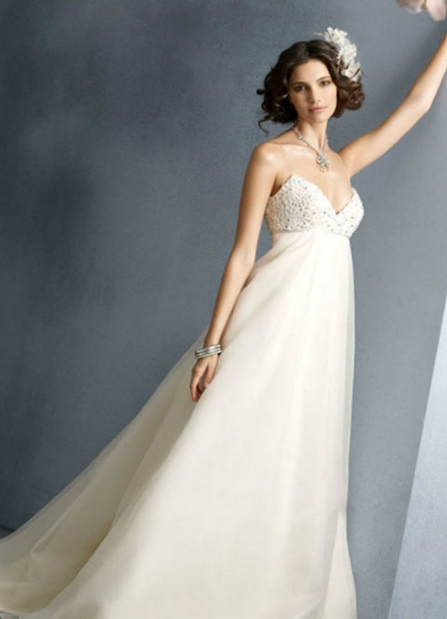 wedding dresses for 5 months pregnant