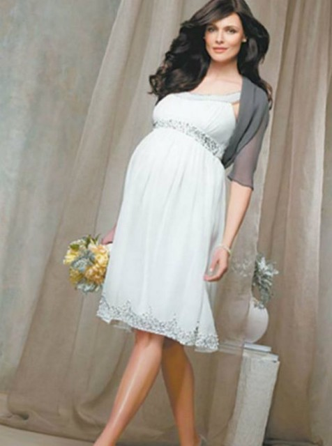wedding dresses for 8 months pregnant photo