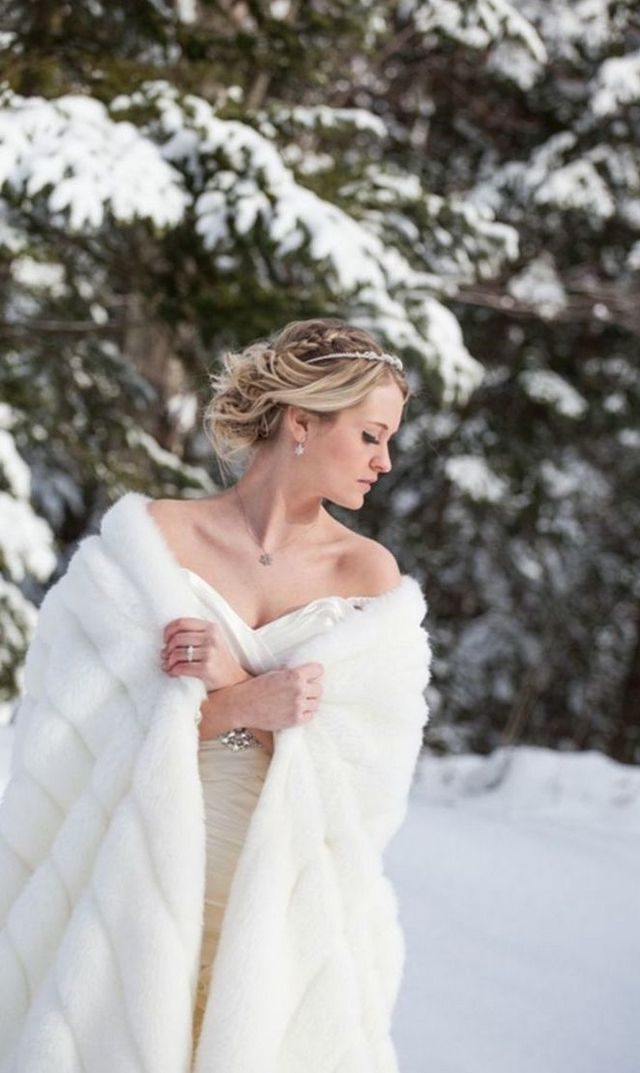wedding dresses for a winter wedding