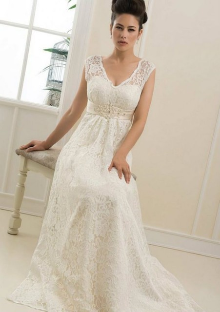 wedding dresses for pregnant online