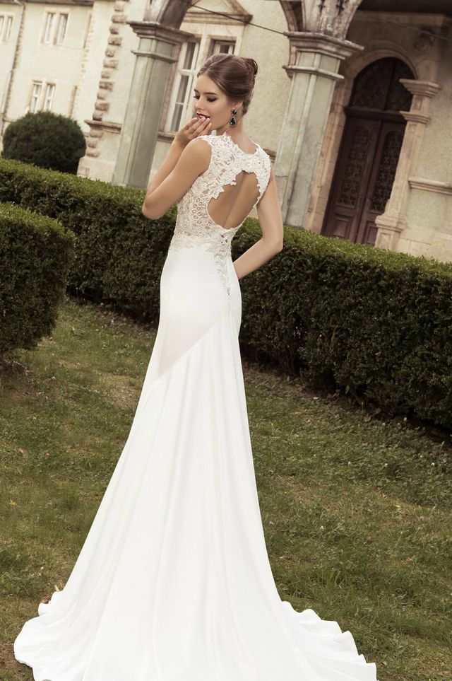 wedding dresses with long trains pictures