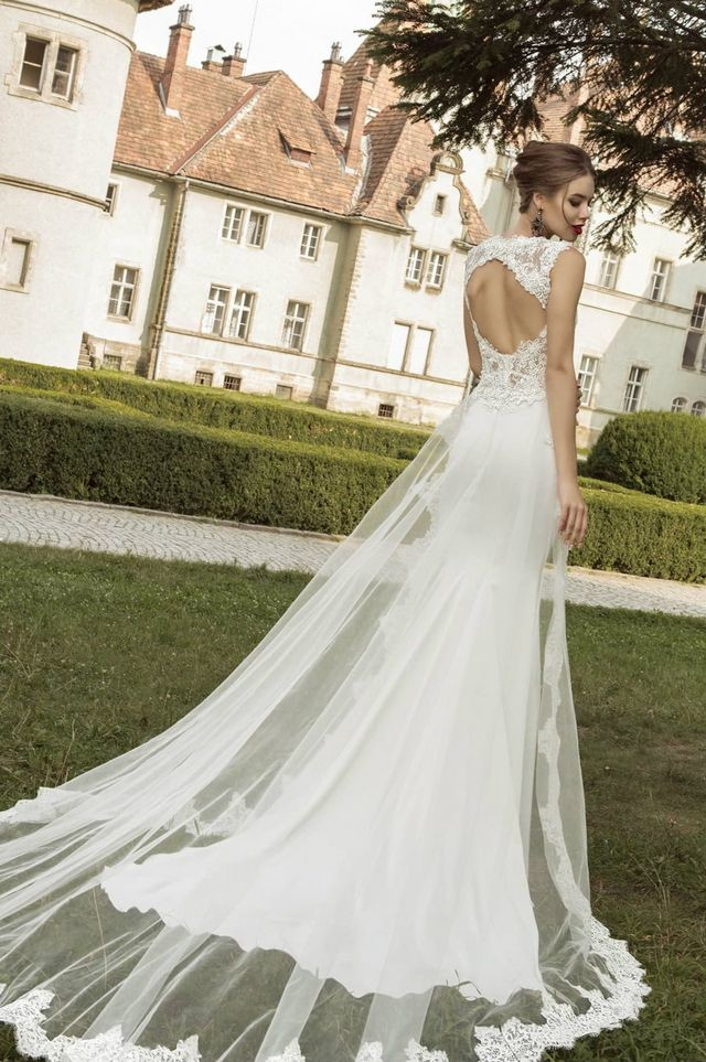 wedding dresses with very long trains images