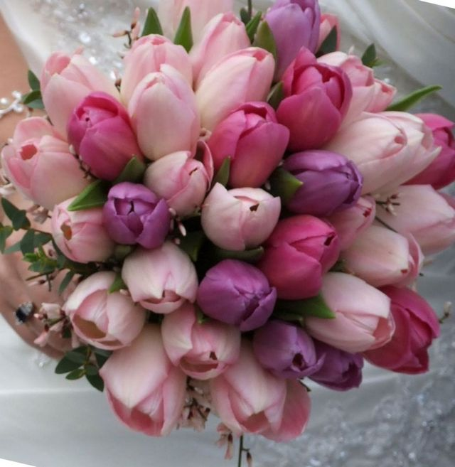 wedding flower bouquets tulips