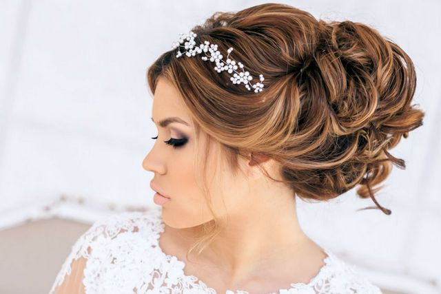 wedding hairdos for long hair with tiara