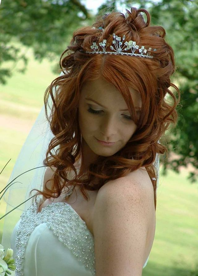 wedding hairstyles for curl hair with tiara