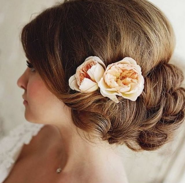 wedding hairstyles for medium hair with flower