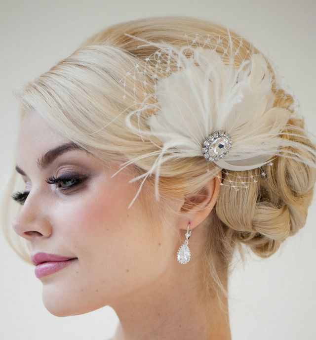 16 Gorgeous Medium Length Wedding Hairstyles: Wedding Hairstyle For Medium Hair