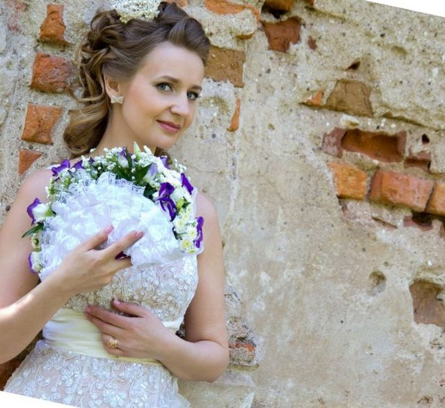 Stupendous Wedding Hairstyle With Tiara Short Hairstyles Gunalazisus