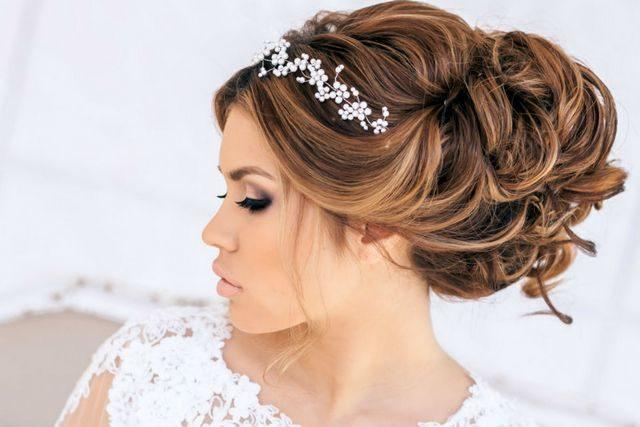 wedding updo for medium hair with tiara