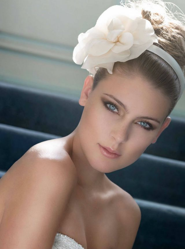 wedding updo for short hair with flowers