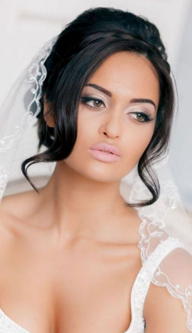 wedding updos with long veil image
