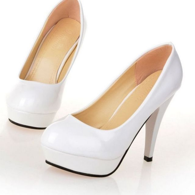 white high heels wedding shoes image