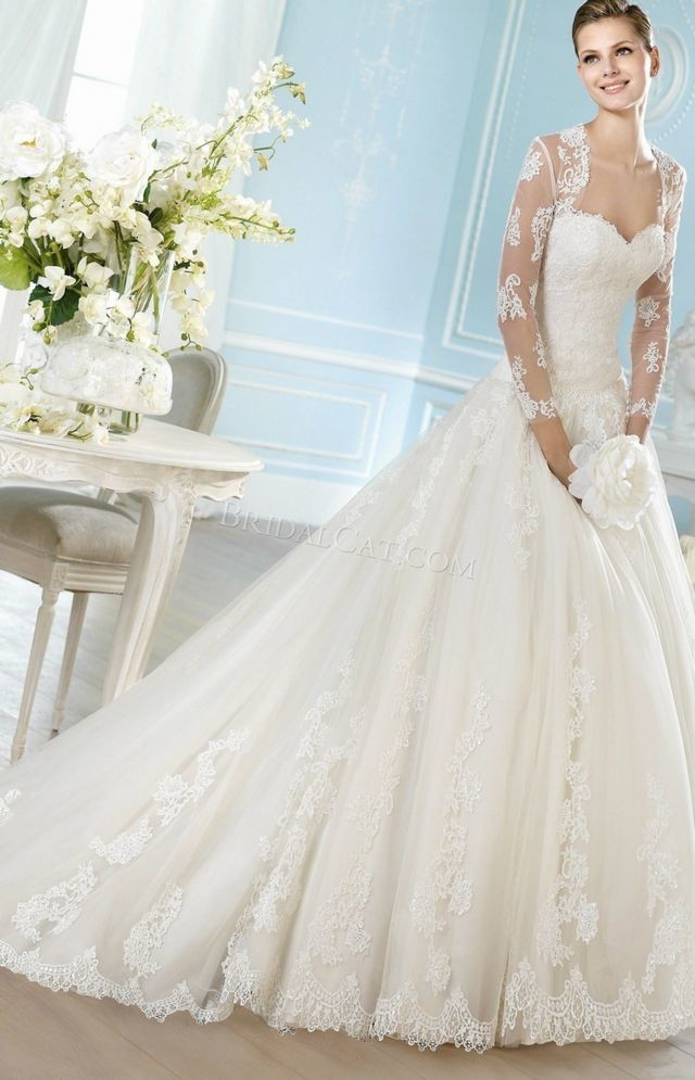 white wedding dresses with long trains photos