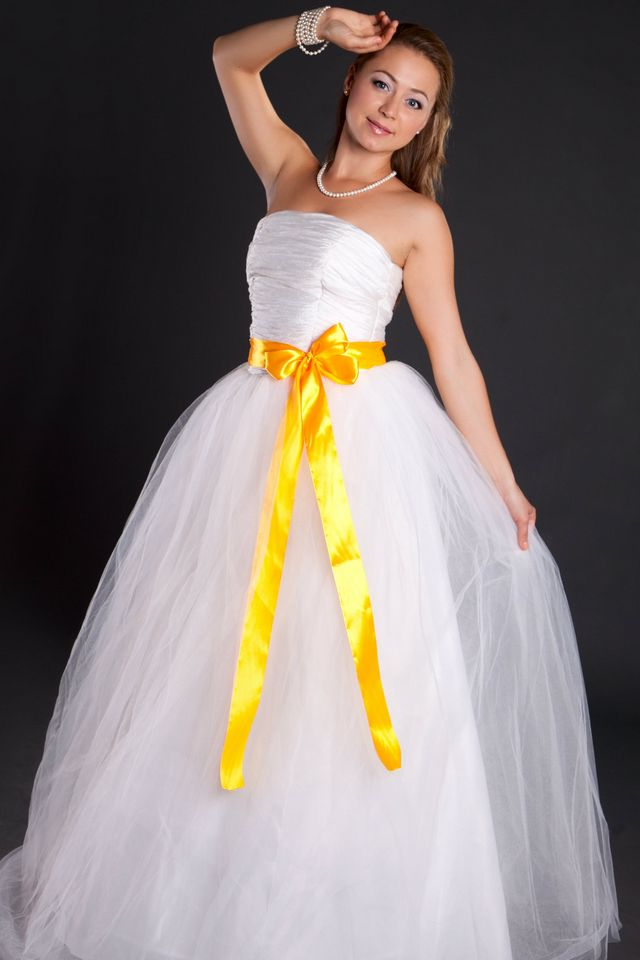 yellow ribbon wedding dresses